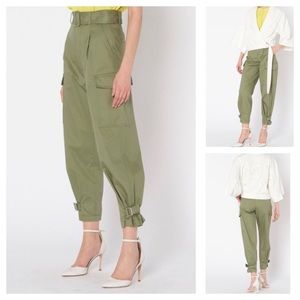 (NWT) MO & Co. Soft Cargo Style Cropped Pants
